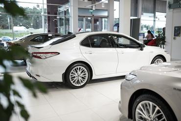 Ekspert annab nõu: kas müüa autot ise või automüüja kaudu?