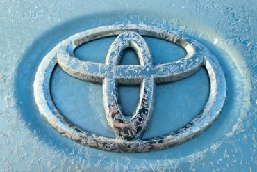 Советуют специалисты: можно ли мыть автомобиль при минусовых температурах?